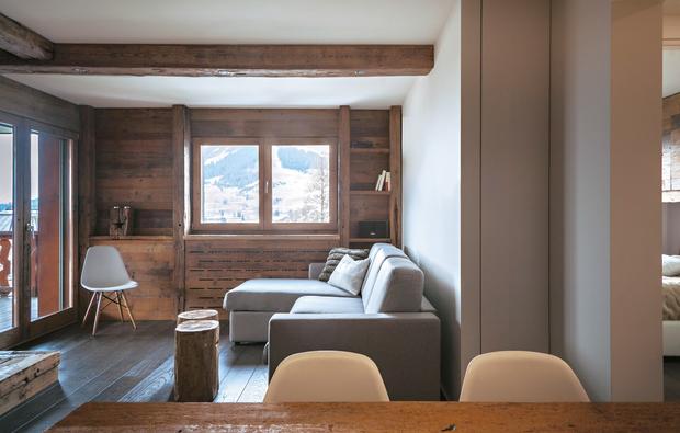 Come arredare il salotto in una casa in montagna for Arredamento interni case montagna