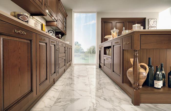 Colombini Casa Cucina Classica Armonia con isola sportelli bugnati 50