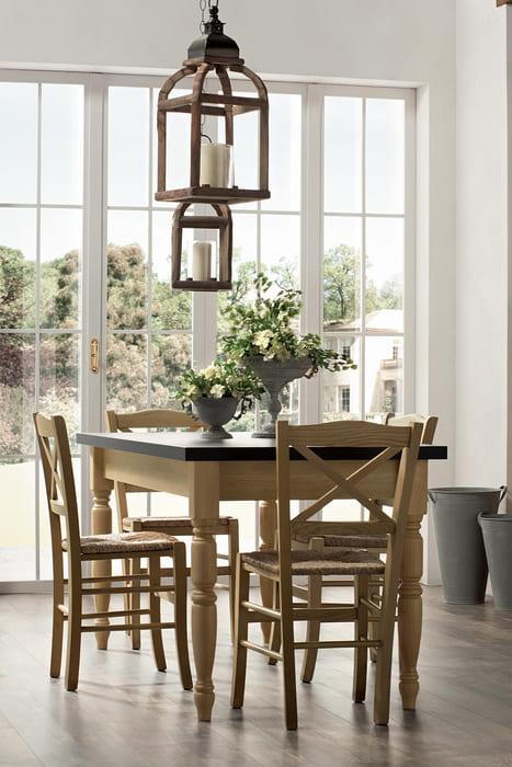 Colombini Casa Cucina Classica Mida abbinata con tavolo e sedie 93