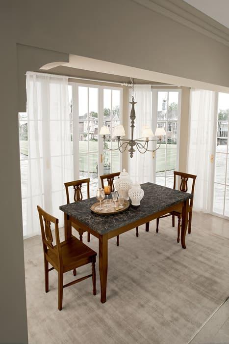 Colombini Casa Cucina Classica Sinfonia abbinata a tavolo e sedie 39b
