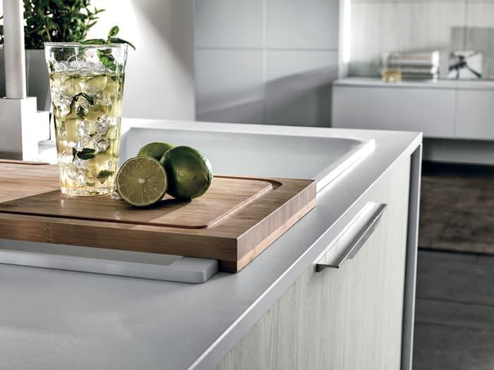 Colombini Casa Cucina Moderna Essenza sportelli con maniglia 68B