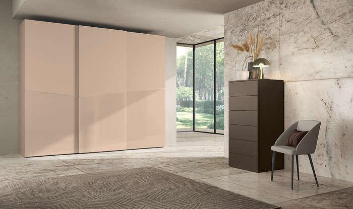 armadi in stile moderno con anta scorrevole color rosa