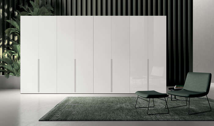armadio anta battente in stile moderno tratto lucido