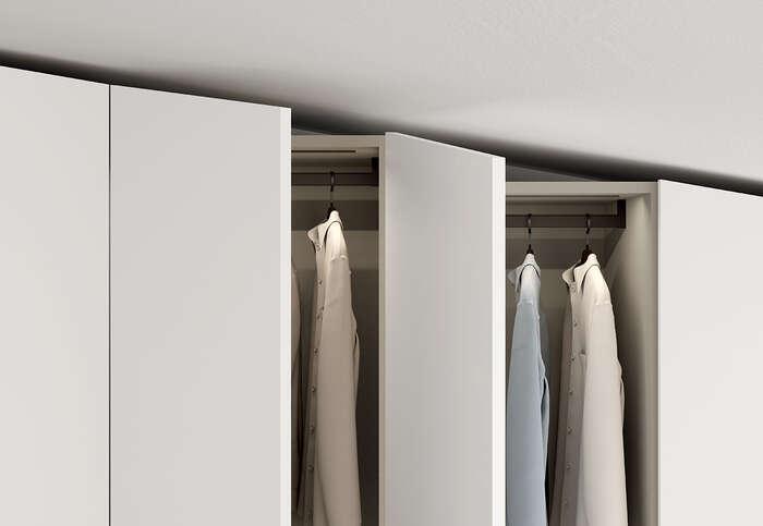armadio con anta battente in stile moderno concreta bianco opaco dettaglio interni