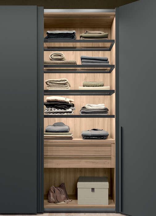 armadio con anta battente in stile moderno concreta interni ripiani