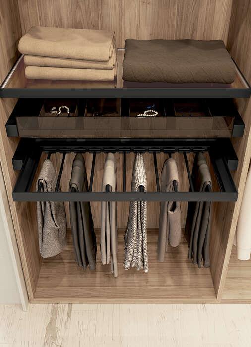 cabina armadio dettaglio portapantaloni
